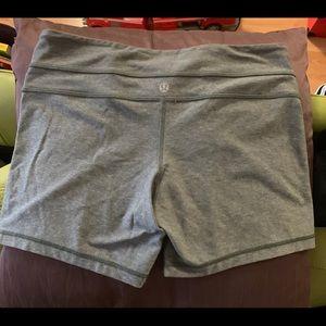 Lululemon Groove Shorts, 8, Gray, smoke/pet free